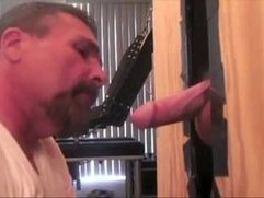 Gloryhole daddy sucking his couple to the cum