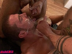 English poofter gets facial